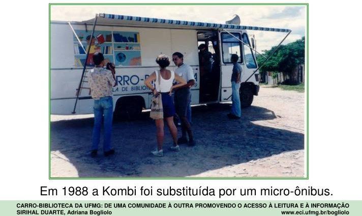 Carro Biblioteca passa a funcionar em um micro ònibus adaptado